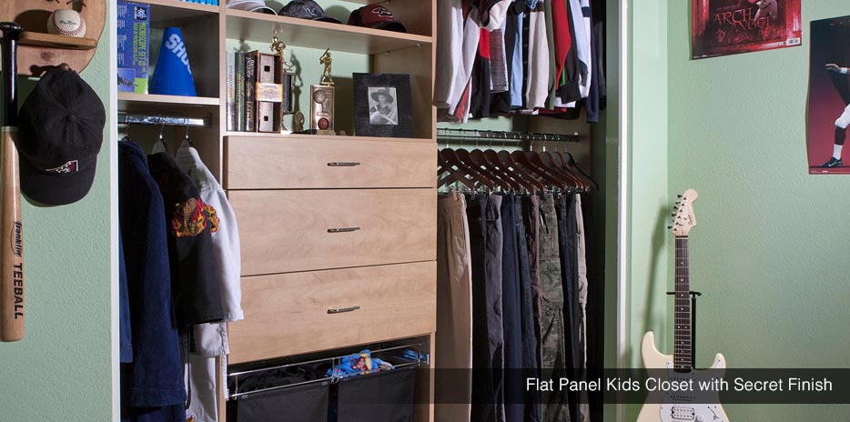 Flat Panel Kids Closet with with Secret Finish