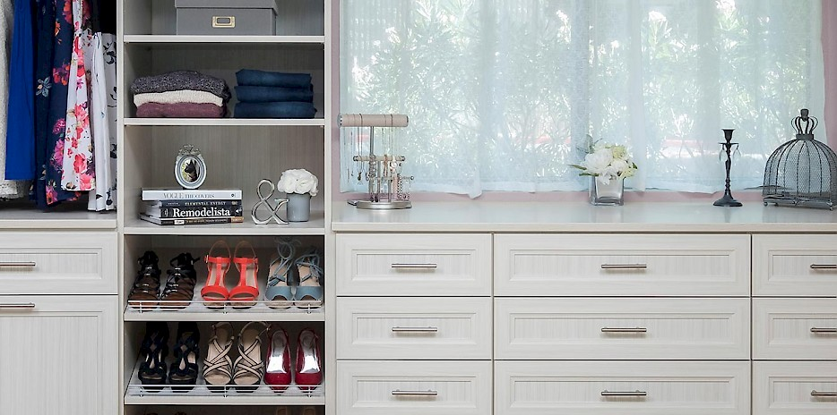Walk In Custom Closet with Allegra Style Drawer Fronts